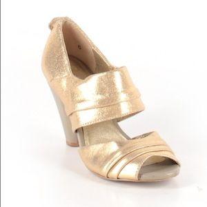 Anthro Seychelles Gold Chunky Peep Toe Heels